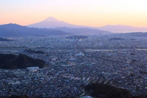 静岡の歓楽街の街並み