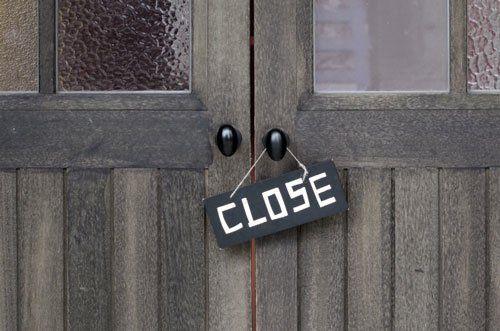 クレジットカード現金化業者の閉店にはどんな理由が考えられる?