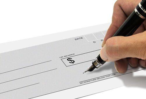 銀行で換金する場合は期限と現金化にかかる日数に注意が必要