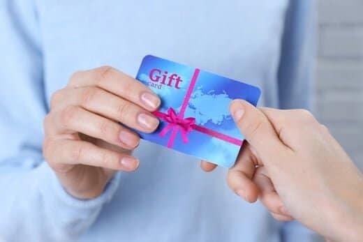 海外企業のプリペイドカードを中心にバリアブルカードが普及している