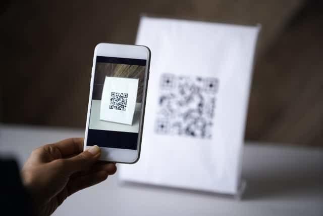 クレジットカードの現金化にオススメなQRコード・バーコードリーダー決済3選!