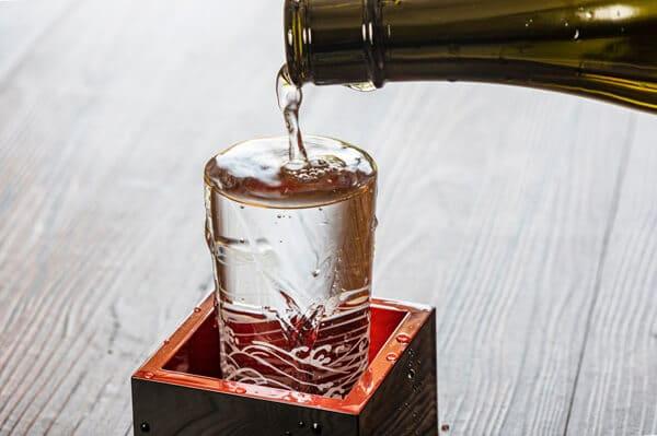 業者を使わない クレジットカード 現金化 自分で お酒 洋酒